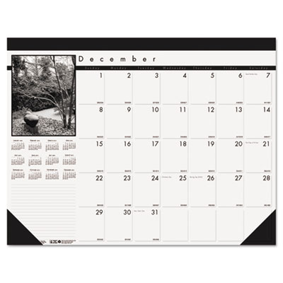 Black-and-White Photo Monthly Desk Pad Calendar, 18-1/2 x 13, 20